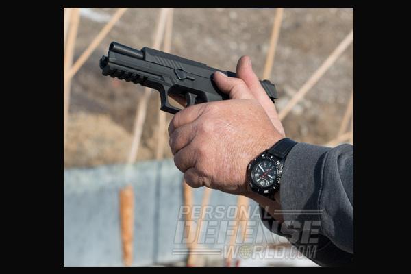 Sig Sauer P320 9mm | Off Hand Release