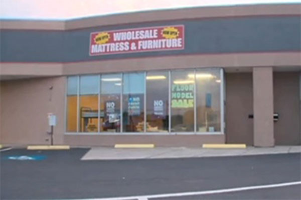 charlotte mattress store armed robbery
