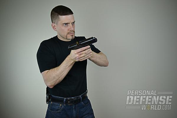 (2) Rotate the gun clockwise toward the ground.