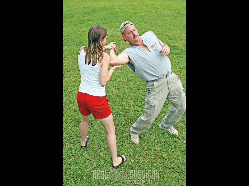 self defense escape tactics, elbow