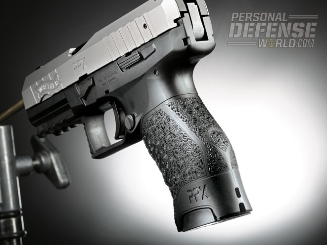 The grip's ergonomic design will suit most hand sizes for extra control.