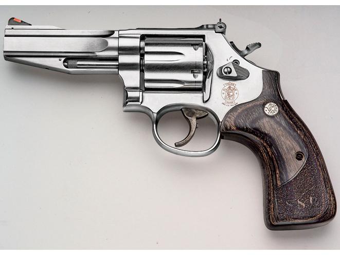revolvers, revolver, six shooter, six-shooter, six-shot revolvers, .357 magnum, .357 magnum revolvers, .357 magnum revolver, .357 revolver, smith wesson model 686 SSR