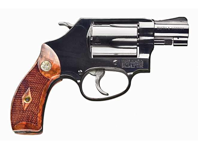 revolver, revolvers, concealed carry revolver, concealed carry revolvers, concealed carry, concealed carry handgun, concealed carry handguns, concealed carry pistol, concealed carry pistols, pocket pistol, pocket pistols, SMITH & WESSON CLASSIC