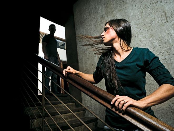 stalking, stalker, stalking safety tips, stalking warning signs, stalking danger, stalking dangers, stalking crime