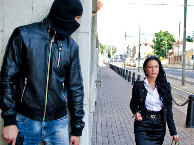 stalking, stalker, stalking safety tips, stalking warning signs, stalking danger, stalking dangers, stalking crime, stalking mask