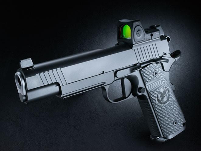 pistols, pistol, full-size pistol, full-size pistols, full-sized pistol, full-sized pistols, Nighthawk Custom Shadow Hawk