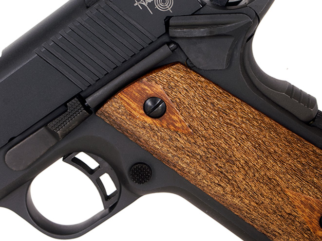 Taylor's & Co., Taylor's & Co. compact carry, taylor's & co compact carry, compact carry, taylor's compact carry, taylor's compact carry 1911, Taylor's & Co Compact grip
