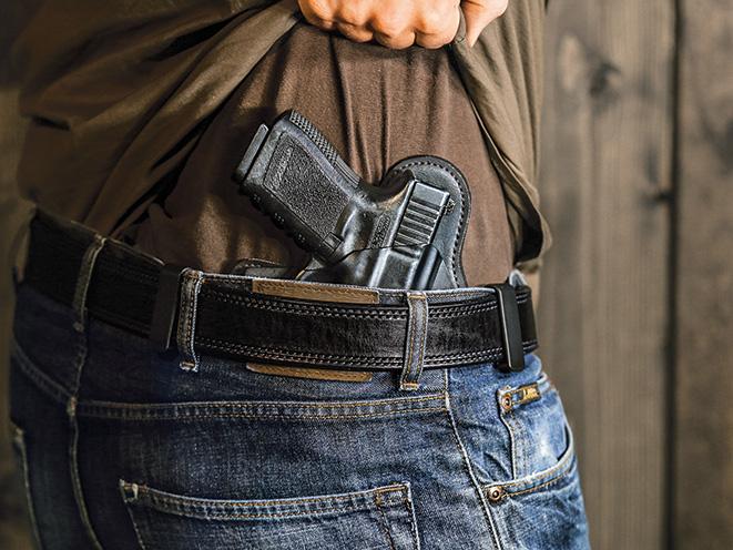 holster, holsters, full-size pistol, full-size handgun, handgun, handguns, pistol, pistols, concealed carry handgun