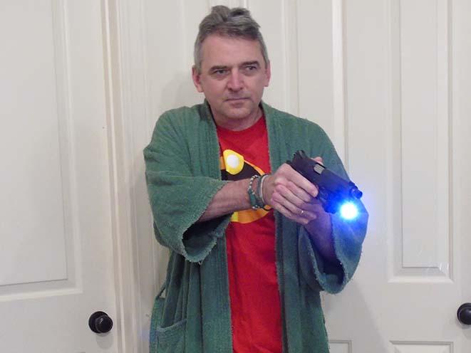 Home Invasion Tactics gun-mounted weaponlight