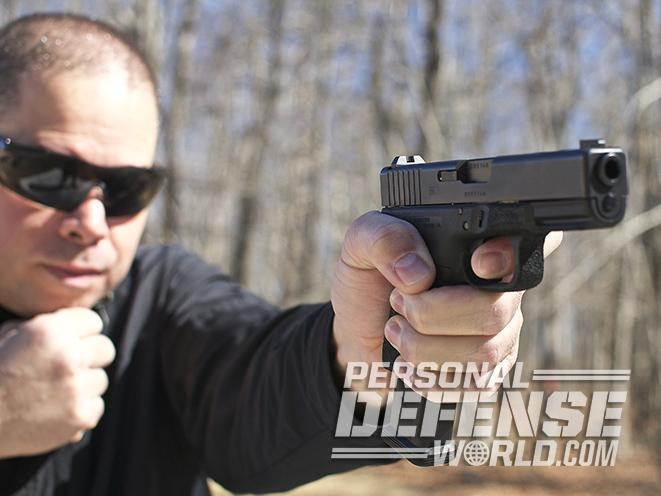 glock 19 edc pistol one-handed