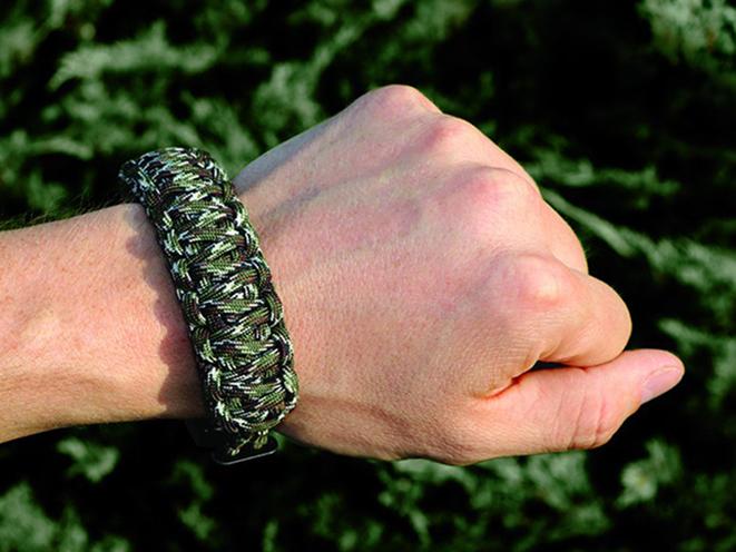 Outdoor Edge Para-Claw talon on wrist