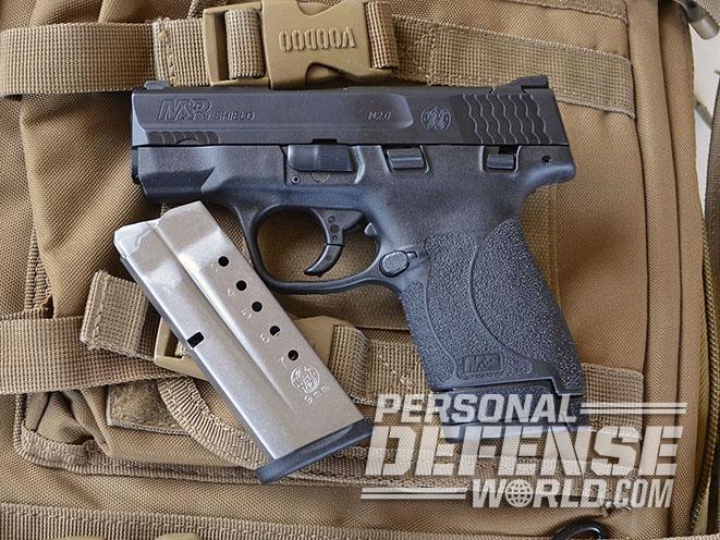 Smith & Wesson M&P Shield M2.0 pistol standard