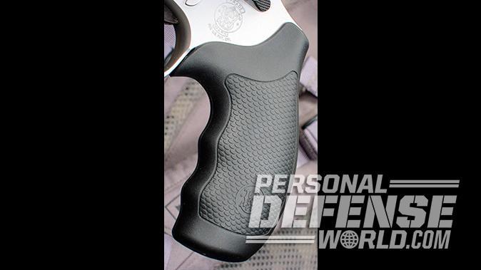 smith wesson Model 66 Combat Magnum revolver grip