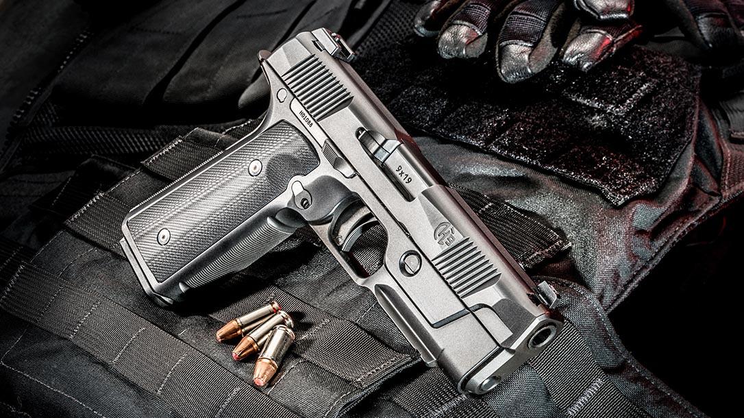Hudson H9 pistol right angle