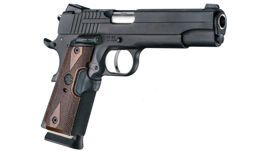 hogue le g10 grips walnut checkered