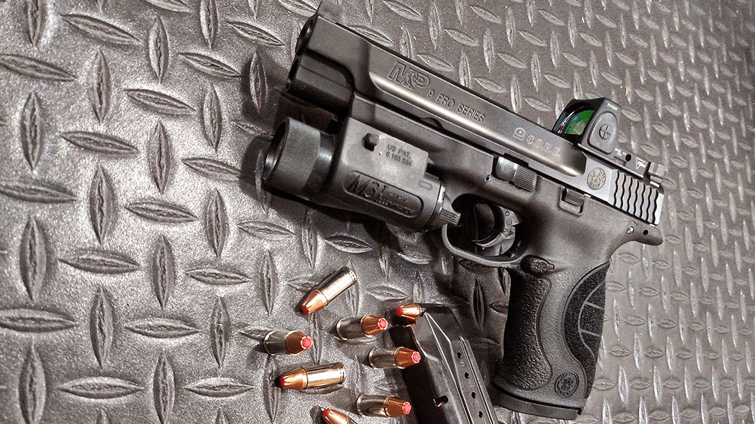 new female shooters smith wesson mp core