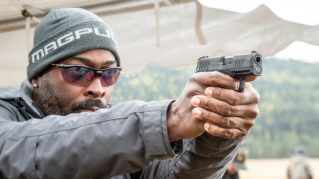 SIG P365, shooting