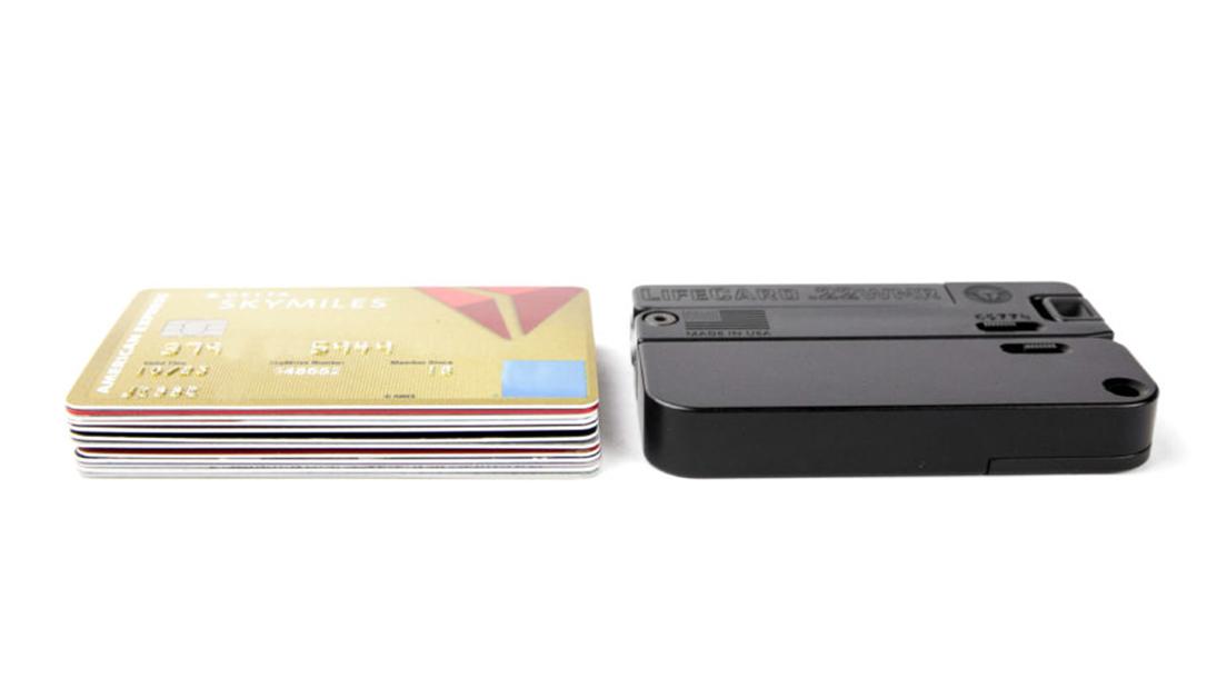 LifeCard 22 WMR, credit cards