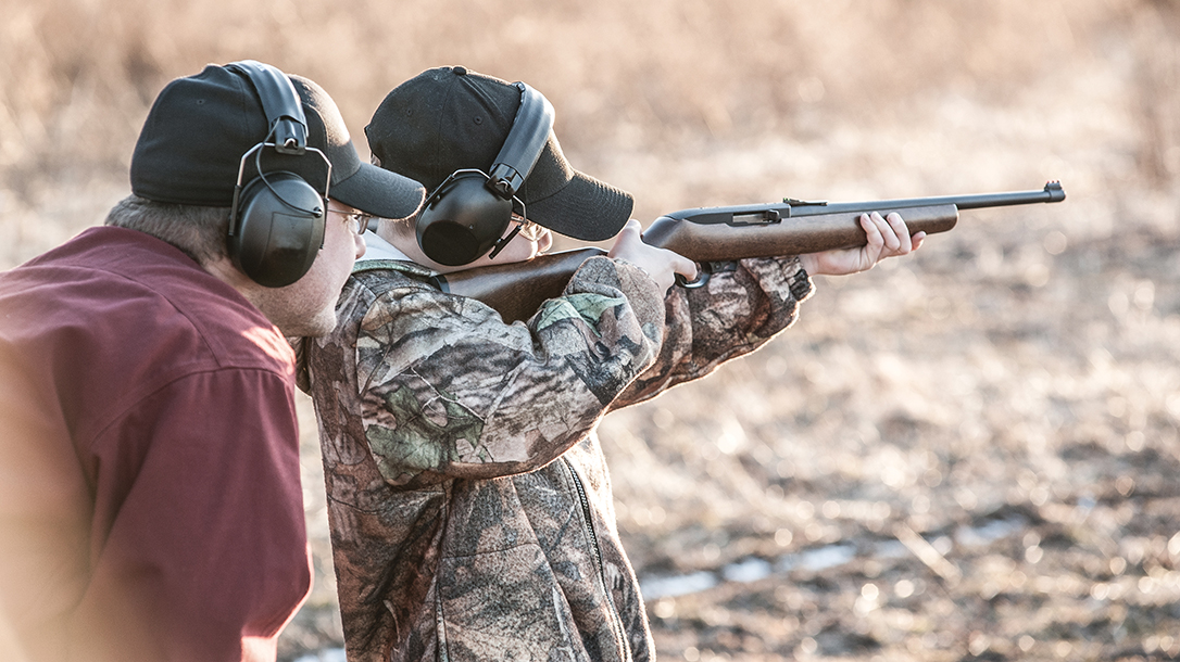 Florida State Senator Wants to Ban Gun Pics From Kid's Social Media