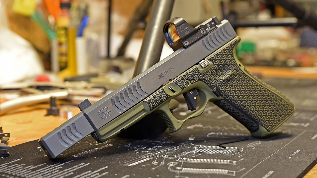 Glock 22 9mm conversion, Glock 22 RTF2 pistol, left