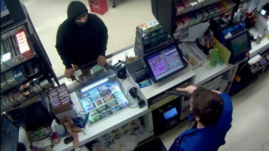 Oregon Store Clerk Stops Hatchet-Wielding Robber