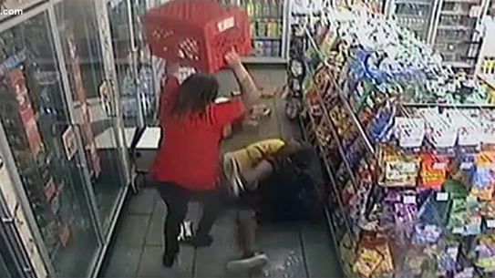 Hostages Overpower Armed Suspect who executed bystander in Circle K