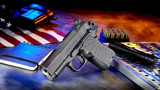 Wilson Combat EDC X9S, The double-stack magazine provides at least 10 rounds of 9mm.
